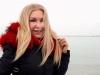 Zapada si gerul nu au speriat-o. Ludmila Balan s-a scaldat in mare la temperaturi de minus 10 grade - VIDEO