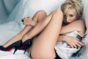 Prezente in toate fanteziile erotice. Afla de ce barbatii adora tocurile inalte in dormitor - FOTO