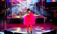Irina Rimes a trecut printr-un accident vestimentar, in cadrul concertului de la Chisinau! Iata cum a reactionat artista - VIDEO