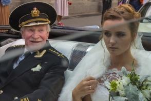 Cand s-au casatorit, el avea 84 de ani, iar ea 24. Secretul nuntii socante in care mireasa e mai tanara cu 60 de ani - FOTO