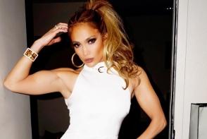 Jennifer Lopez i-a lasat pe fani muti de uimire. Ce a facut vedeta - FOTO