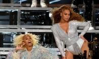 Beyonce si sora sa, Solange, au cazut pe scena in timpul concertului de la Coachella. Vezi cum au incercat sa mascheze acest moment penibil  - VIDEO