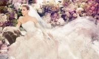 Sarah Jessica Parker a creat o linie de rochii netraditionale de mireasa. Vezi ce i-a iesit actritei - FOTO