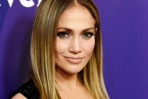 Jennifer Lopez, aparitie spectaculoasa pe covorul rosu.  Iubitul acesteia, cucerit iremediabil - FOTO