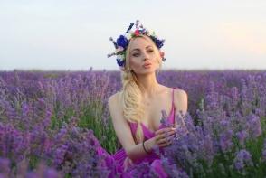 Katalina Rusu seamana din ce in ce mai mult cu o papusa Barbie. Iata cum si-a facut aparitia zilele trecute - FOTO