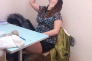 Profesorii au prins-o cand facea ceva rusinos in clasa. A fost exmatriculata imediat - FOTO