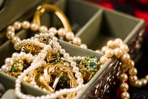 Bijuteriile din aur te pot imbolnavi. Trei organe vitale sunt afectate