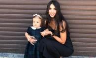 O invata sa fie stilata de mica! Designerul Elena Bivol si fiica sa, in tinute aproape identice - FOTO