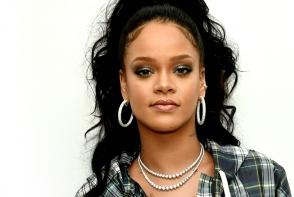 De cate minute are nevoie Rihanna pentru a-si face machiajul de scena? Vei ramane surprins - FOTO
