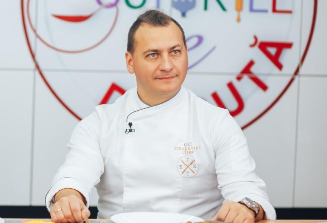Master-class de la Petru Chicu! Cu o singura bucata de carne si cateva legume, bucatarul a reusit sa gateasca trei feluri de mancare si sa-i impresioneze pe cei prezenti - VIDEO