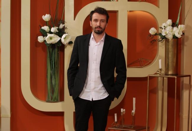 """Reflectarea Chisinaului, intr-o carte impresionanta! Alexandru Bordian a oferit mai multe detalii despre """"Casa Inglezi"""", romanul ce s-a nascut departe de casa si la care a lucrat 3 ani - VIDEO"""