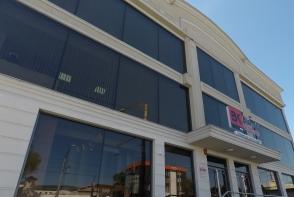 Bismobil Kitchen anunta deschiderea noului showroom de bucatarii unde sunt expuse concepte realizate conform ultimelor tendinte in design si substrat tehnic