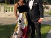 In rochie de seara si o pereche de tenisi. Cine este vedeta care s-a imbracat astfel la nunta Regala - FOTO