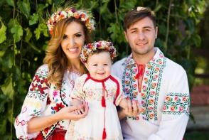 "Tatiana Heghea: ""In fiecare zi a vietii noastre, facem...""! Vezi cum este alintata fetita interpretei de catre tatal ei - FOTO"