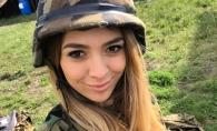 A schimbat rochita pe vesta antiglont, iar microfonul, pe Kalashnikov. Reporterul PRO TV, Alina Plingau, a petrecut 24 de ore in armata - VIDEO