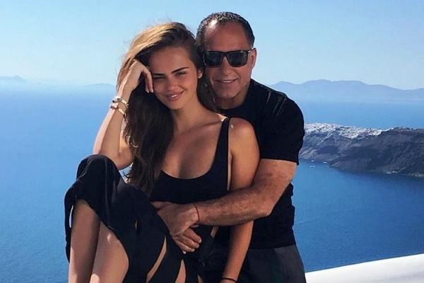 Xenia Deli - de doi ani casatorita! Iata cum miliardarul egiptean Ossama AL Sherif si-a surprins iubita in ziua aniversarii - VIDEO