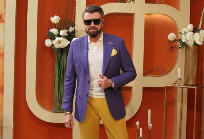 """Lectii de stil de la celebrul designer Catalin Botezatu: """"Un politician nu are voie sa poarte decat anumite accesorii..."""" Oare care sunt acestea? VIDEO"""