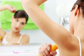 Stiai ca poti folosi deodorantul pe fata? Iata 3 utilizari miraculoase ale utilizarii acestuia - FOTO