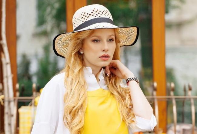 Marina Guzic va reprezenta Moldova la World Next Top Model 2018! Isi ia 20 de tinute si ma multe valize. Afla cum se pregateste pentru concurs - VIDEO
