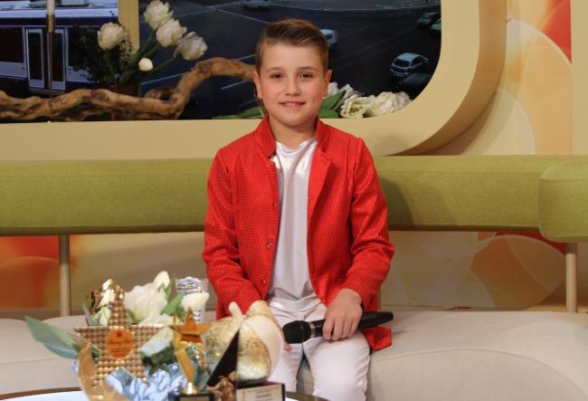 La doar 9 ani, Vasile Bobeica are o colectie impresionanta de trofee! Cunoaste-l pe cel care isi doreste sa cante alaturi de Carla's Dreams - VIDEO