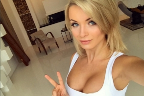 Prima diva de la mondiale! Imaginile cu aceasta blonda din Rusia au ajuns in atentia tuturor - FOTO