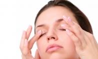 Scapa de ochii rosii, umflati si obositi cu cateva remedii naturale. Iata 6 dintre ele - FOTO