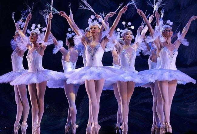 Stele internationale ale baletului, pe scena de la Chisinau. Cele mai renumite balerine au facut un super show - VIDEO
