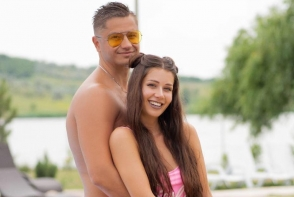 Irina Tarasiuc, superba in costum de baie. Mai indragostit ca oricand, sotul n-o scapa din priviri - FOTO