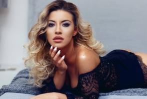 Gafa pentru Nicoleta Nuca: s-a imbracat identic cu o alta vedeta din Romania. Cine a purtat mai bine acest model de rochie?