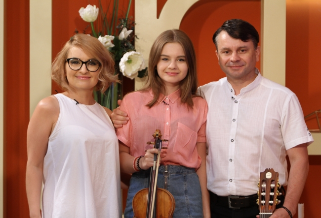 "Familia de muzicieni Agafita: ""La noi in familie se canta, iar cel mai important, avem noroc de vecini toleranti si pereti grosi."" - VIDEO"