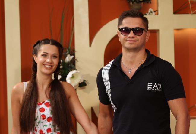 In fiecare vara, cate o melodie. Irina si Sergiu Kovalsky si-au gasit marea inspiratie in sezonul fierbinte - VIDEO