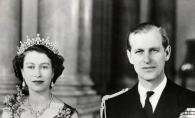Bijuteria speciala pe care Regina Elisabeta a II-a a purtat-o timp de 70 de ani! Vezi cat de spectaculoasa este - FOTO