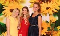 Invitatii Summer Party, impresionati de panoul spectaculos, decorat cu floarea-soarelui 3D. Vezi imagini colorate, desprinse dintr-un tablou de vara - VIDEO