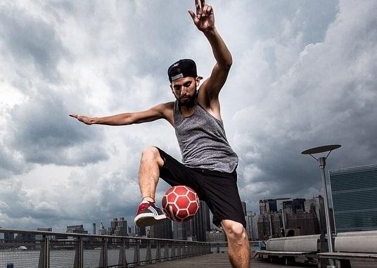 Cei mai tari football freestyle-ri din Moldova! Vezi cat de talentati sunt si ce trucuri uimitoare stiu sa faca - VIDEO