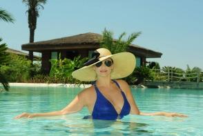 Andreea Marin, extrem de sexy in costum de baie! Mai rar o vezi asa - FOTO