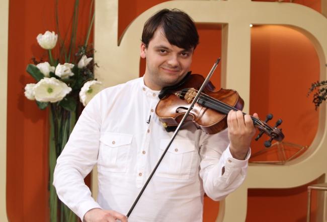 """Vine destul de rar acasa, insa mereu are ce sa povesteasca! Ionel Manciu: """"Este prima si ultima dragoste..."""" Ce amanunte curioase a dezvaluit muzicianul  - VIDEO"""