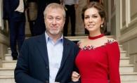 Miliardarul rus, Roman Abramovici, in ipostaze tandre alaturi de fosta lui sotie. Se vor impaca acestia? FOTO