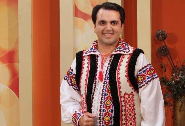Igor Cuciuc a pregatit 99 litri de spumant si un tort de 11 kilograme! Ce sarbatoreste artistul in Turcia - FOTO