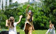 Traditionala sarbatoare suedeza Midsummer - sarbatorita cu Oriflame Moldova - FOTO