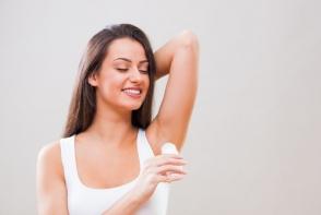 Poti inlatura transpiratia in exces cu remedii ieftine si naturale! Vezi care sunt acestea