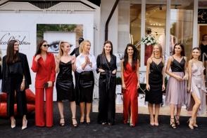 Cele mai populare moldovence de pe Instagram s-au adunat la o petrecere plina de stil. Au defilat pe covorul rosu ca niste modele profesioniste - GALERIE FOTO