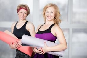 5 exercitii care te ajuta sa te mentii in forma si dupa 40 de ani. Le poti face cu usurinta acasa
