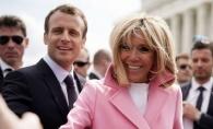 Sotia presedintelui Frantei le-a dat clasa tuturor! Vezi cum arata Brigitte Macron in costum de baie - FOTO