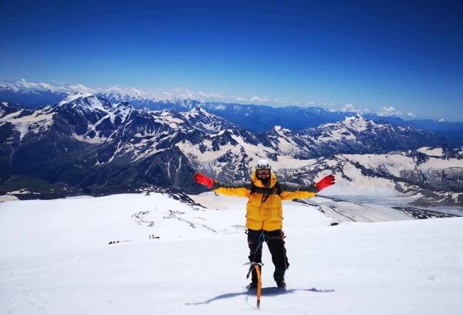 A revenit acasa dupa ce a cucerit muntii Elbrus si Kazbek! Sergiu Cretu a povestit primele impresii din aceasta escapada periculoasa - VIDEO