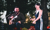 Tania Cerga si Andrei Glavan si-au povestit dragostea prin cantec. Iata cum a avut loc concertul in aer liber - VIDEO