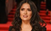 Salma Hayek, in costum de baie sexy si fara pic de machiaj. Cum arata actrita in varsta de 51 de ani? FOTO