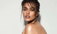 Antonia, sedinta foto nude! Artista s-a lasat pozata goala in asternuturi - FOTO