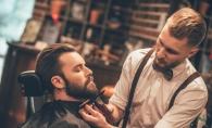 """Echipa unui barbershop din capitala si-a donat o zi de munca pentru """"Ghiozdanul bucuriei"""". Afla cati bani s-au colectat - VIDEO"""