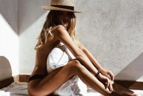 Imagini hot cu fiica Victoriei Lungu. Valeria a pozat sexy in asternuturi - FOTO