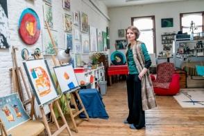 Pictorita Cezara Kolesnic implineste astazi 38 de ani: